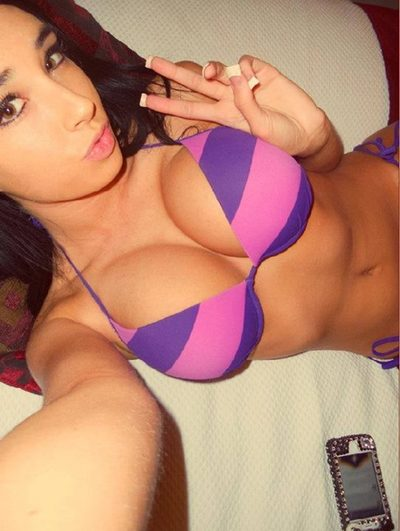 Elna from Greene, Rhode Island is looking for adult webcam chat