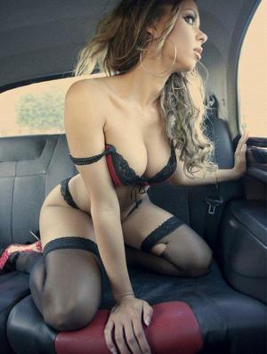 Aura from Whitetop, Virginia is looking for adult webcam chat