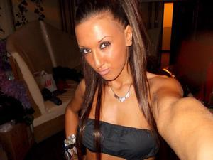 Kemberly from  is looking for adult webcam chat