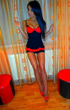 Cordelia from Marlborough, Connecticut is looking for adult webcam chat